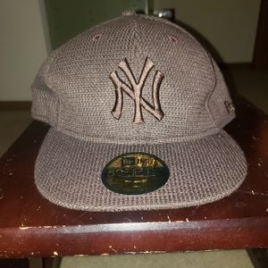New York Yankees New Era hat fitted 7-3/8 or 59cm